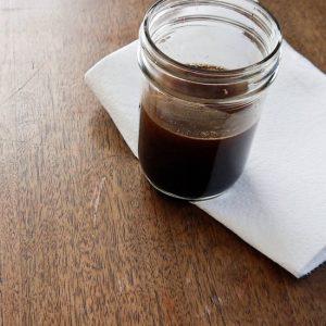 como tirar arranhões de móveis de madeira com café - antes